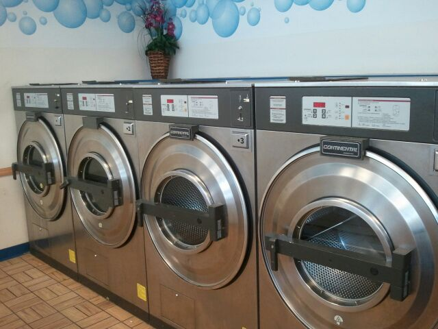 Laundromat photo
